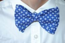 wedding photo - Navy wedding bow tie Floral tie with daisy design Great Gatsby party necktie 1920s birthday party Blue men's gift for bday Best father vgyi - $10.00 USD