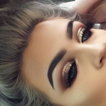 wedding photo - Makeup Tips For Small Eyes – 11 Ways To Make Them Look Bigger