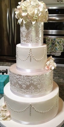 wedding photo - Top 10 Wedding Cakes With Pearls: Elegant Inspiration