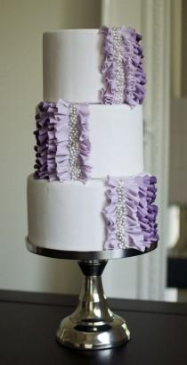 wedding photo - Wedding Cake With Purple Ruffles