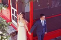 """wedding photo - What's a """"false first look"""" and why does it have seriously real romance going on?"""