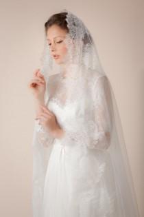 wedding photo - Wedding veil, swiss dotted veil with Chantilly lace trims, Bridal Mantilla Veil -- Style 316