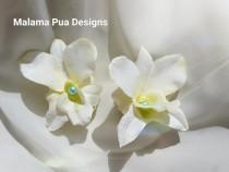 wedding photo - WHITE ORCHID Hair clip, Silk hair flower, Tropical flower, Bridal, flower clip, Beach, Wedding, Hair Accessory, Headpiece, Custom Hair clip