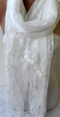 wedding photo - Lace Shawl in Off White with French Lace Bridesmaid wraps Lightweight Soft Summer Wedding Accessories Off white scarfs Gifts for mothers