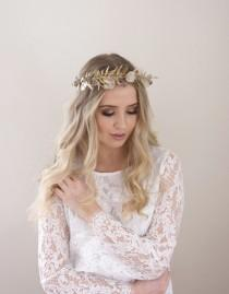 wedding photo - Gold Bridal Crown, Dried Flower Crown, Bridal Headpiece, Boho Wedding Headpiece, Gold Hair Accessory , Romantic Wedding, Eucalyptus Crown