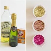 wedding photo - DIY : comment personnaliser les bouteilles du mariage avec plein de paillettes ? - Mariage.com