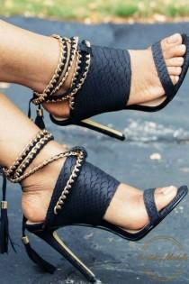 wedding photo - Heels