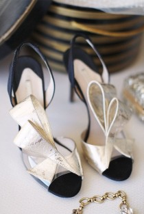 "wedding photo - 7 ""Something Borrowed"" Wedding Ideas"