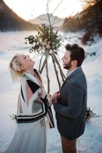 wedding photo - Un elopement scandifolk dans les Alpes - Le Blog de Madame C