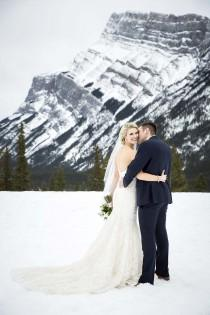 wedding photo - A Romantic Winter Wedding In Banff