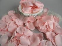 wedding photo - 500 Pink Blush Rose Petals - Artifical Flower Petals - Blush Pink Bridal Shower Wedding Decoration - Flower Girl Basket Petals Table Scatter