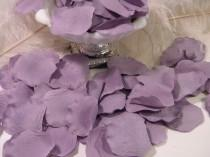 wedding photo - 200 Rose Bulk Petals - Artificial Petals - Wisteria Lavender Purple - Wedding Ceremony Decoration - Flower Girl Basket Petals Table Scatter