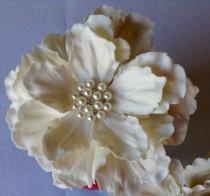wedding photo - Edible Sugar White Peony Flower Birthday Cake Topper Decoration