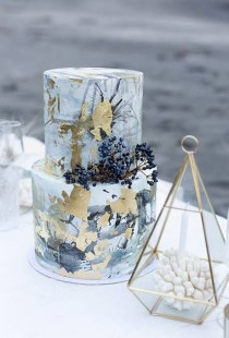 wedding photo - Black And Metallic Cakes