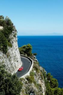 wedding photo - The Top 5 Romantic Road Trips - MODwedding