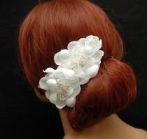 wedding photo - Wedding Flower Hair Comb, Bridal Hair Comb, Wedding Hair Accessories, Rustic wedding Hair Piece, Bohemian Wedding Headpiece - $25.00 USD