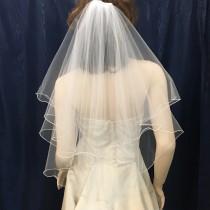 wedding photo - 2 tier circle cut Elbow Length Ruffled Edge bridal veil
