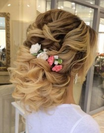 wedding photo - 50 Wow-Worthy Long Wedding Hairstyles From Elstile