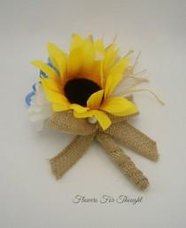 wedding photo - Sunflower Boutonniere with Burlap Ribbon,Wedding, Groom, Groomsmen gift, Buttonhole Flower, Bridal Party Favor, FFT design, Made to order