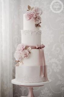 wedding photo - Four Tier Pink Detailed White Wedding Cake