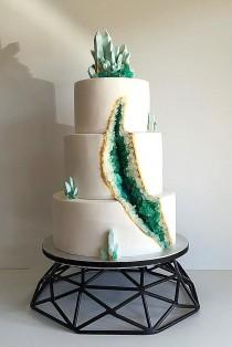 wedding photo - Be In Trend! Geode Wedding Cakes For Stylish Event