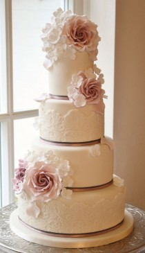 wedding photo - Rose & Hydrangea Cake