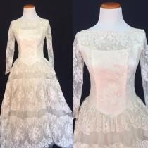 wedding photo - 1950's Scalloped Lace Ballgown Wedding Dress- Small