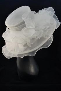 wedding photo - White Ivory  Kentucky Derby Hat, Church hat, Tea Party Hat, White Hat, Formal Hat, Fashion Hat, Church Hat, Wedding Hat, Funeral Hat