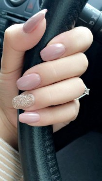 wedding photo - Top 40 Beautiful Glitter Nail Designs To Make You Look Trendy And Stylish