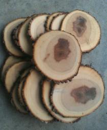 """wedding photo - 25 4-5"""" Rustic Wood Tree Slices Wedding Decor SOURWOOD  Disc  Log Round LARGE"""