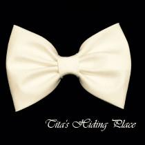 wedding photo - Ivory Hair Bow, Shantung Hair Bow, Girls Hairbow, Fabric Hair Bow, Baby Bows, Ivory Bow, Girl Accessories, Kawaii Ivory Bow, Bow Tie STG005