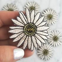 wedding photo - Daisy Patch - Iron On, Embroidered Applique – Flower