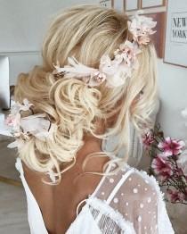 wedding photo - Ulyana Aster Wedding Hairstyles Inspiration