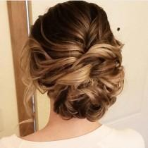 wedding photo - Beautiful Messy Updo Wedding Hairstyle For Romantic Brides