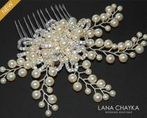 wedding photo - Bridal Pearl Crystal Hair Comb Wedding Floral Hair Comb Swarovski Ivory Pearl Hair Piece Wedding Pearl Headpiece Bridal Pearl Hair Jewelry - $35.00 USD