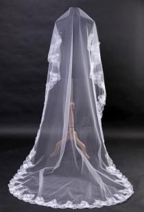 wedding photo - Lace MANTILLA Bridal Veil