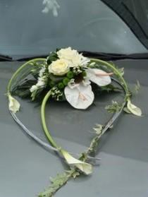 wedding photo - Décoration Voiture Mariage, Composition Florale Voiture Duclair, Le Trait