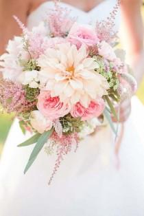wedding photo - 27 Soft Pink Wedding Bouquets To Fall In Love With