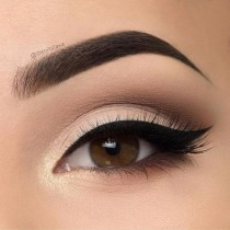 wedding photo - 5 Tips On How To Blend Eyeshadow Seamlessly