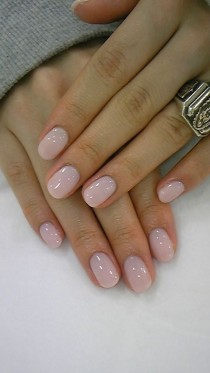 wedding photo - Nail Art To Try: Nude Nails