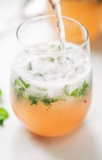 wedding photo - Grapefruit Mojitos For Two