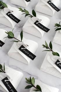 wedding photo - 3 Simple And Modern DIY Wedding Favors