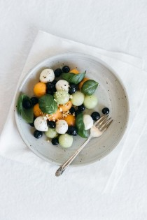 wedding photo - Melon Mozzarella Salad With Basil