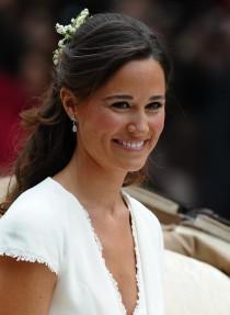 wedding photo - Pippa Middleton : mais qui donc est le créateur de sa robe de mariée ? - Mariage.com