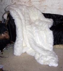 wedding photo - Snow White Luxury Faux Fur Throw