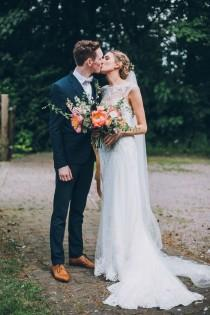 wedding photo - Sweet And Sparkly Leicestershire Wedding At The Old Stables