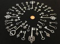 wedding photo - 62 Bulk Lot Skeleton Keys Vintage Antique Look Replica Charms Jewelry Steampunk Wedding Bead Silver Pendant  Collection Reproduction Craft