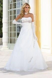 wedding photo -  Bruidsjurken - Trouwjurken - Bekijk Ladybird Collectie Online
