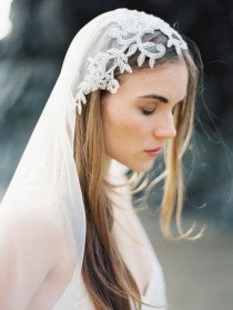 wedding photo - Ten Best Accessories For Your Boho Wedding Dress