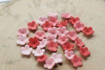 wedding photo - Set of 100 small edible fondant flowers, Fondant flowers for cake, Pre made fondant flowers, Cupcake flowers